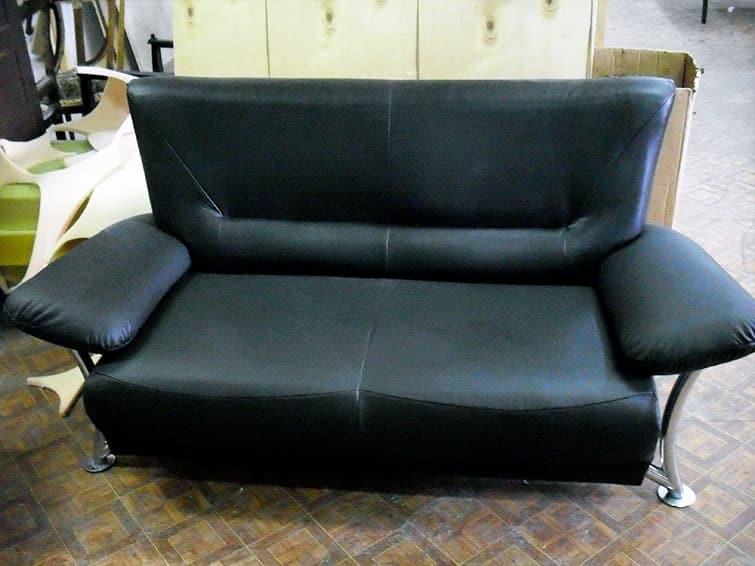 Обивка подлокотников дивана