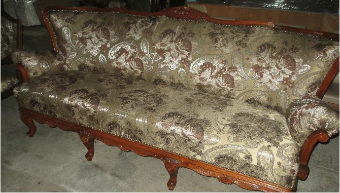 Перетяжка антикварной мебели