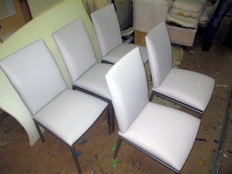 Перетяжка кожаных стульев